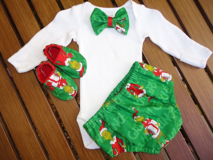 Dr. Seuss Grinch Christmas Boutique Bow Tie 4 Piece Outfit Christmas Grinch Baby Boy Bow Tie Outfit The Grinch Christmas Outfit by doodlesbabylicious on Etsy https://www.etsy.com/listing/209217962/dr-seuss-grinch-christmas-boutique-bow