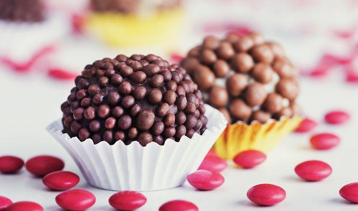 Chocolatier ensina a fazer lasanha e escondidinho de brigadeiro, brigadeiros alcóolicos, de prestígio e de paçoca.