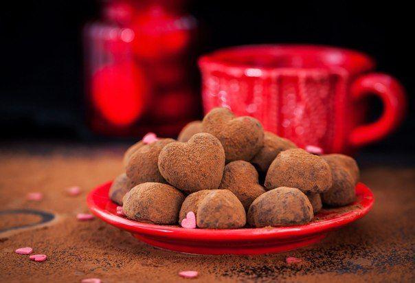 Шоколадные трюфели с мятным вкусом на День святого Валентина из молочного шоколада / Основы бизнеса