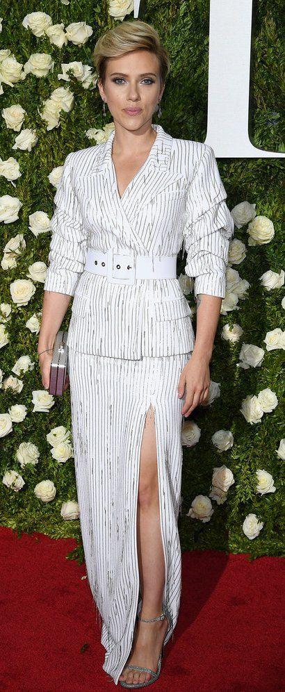 Scarlett Johansson in Michael Kors Collection attends the 2017 Tony Awards. #bestdressed