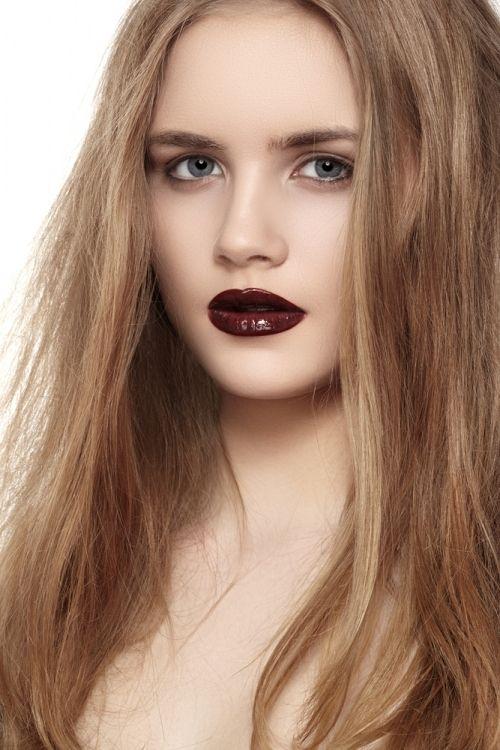 Als je een donker gekleurde huid hebt en je hebt van nature paarse of donkerbruine lippen dan kun je, voor het mooiste resultaat het beste een chocoladebruine, rode of paarse kleur gebruiken. www.extreme-beautylife.nl