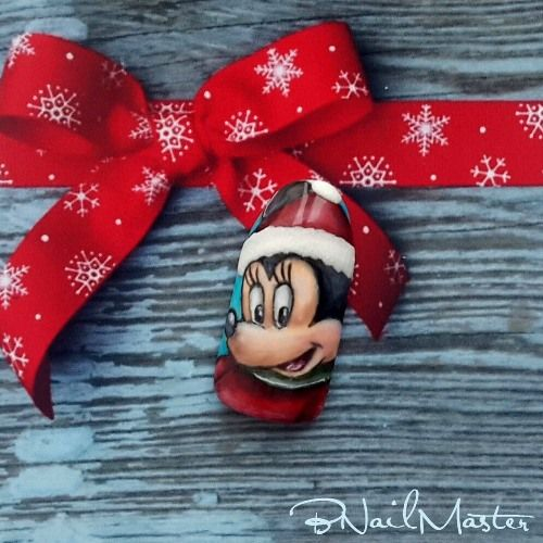 Christmas Minnie Mouse on Nails