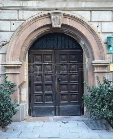 19870709-old-large-wooden-door--door-portal.jpg (365×450)