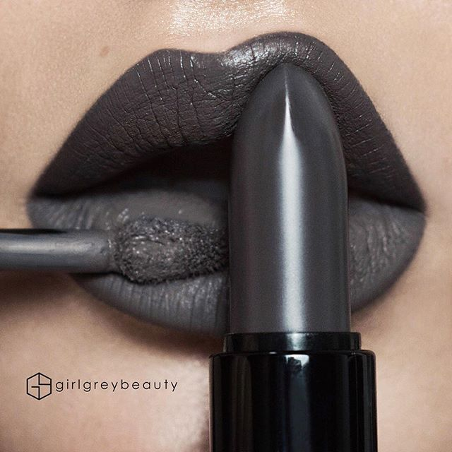 "WEBSTA @ girlgreybeauty - Greyscale -� I've been waiting for a beautiful grey lipstick.. Now I have 2@smashboxcanada ""Punked"" Matte Lipstick on top lip x ""Chill Zone"" Liquid Lipstick on the bottom lip.@smashboxcosmetics"