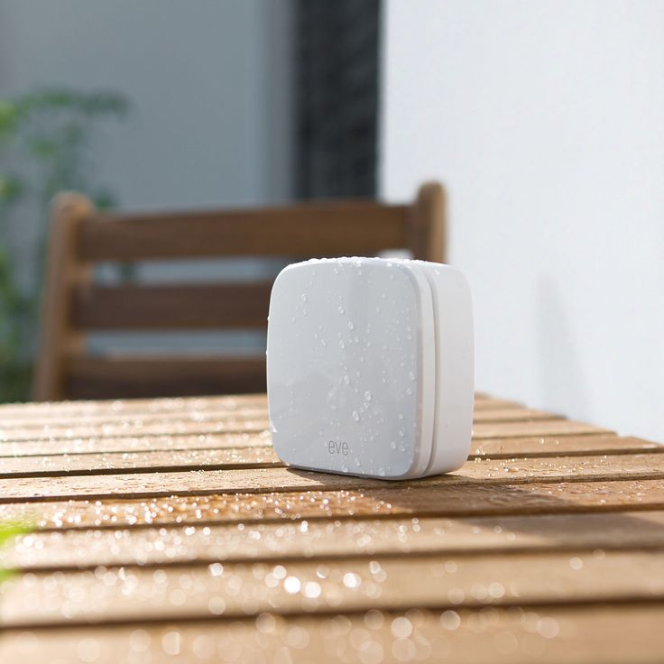 Know the weather around the outside of your home with the Elgato Eve Weather Sensor. This small wireless unit is capable of measuring temperature, humidity and air pressure. With Apple's HomeKit integration supported to access this personal weather all you need to do is ask Siri or use the free app from your iPhone or iPad.