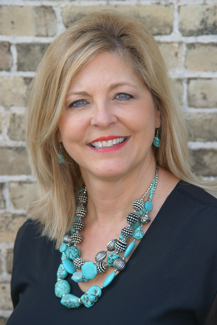 Sara received her real estate license in 1993, and has been one of the Top Agents in the Hill Country every year since.  Sara received her Broker's license in 2012 and established her own brokerage firm, LONESTAR PROPERTIES   located at 222 South Main St.  Boerne, TX  Throughout her 20-year real estate career in the Texas Hill Country, it has allowed her to gain the expertise & knowledge of many aspects of this industry.  Not only is she highly experienced in Residential, Acreage/Lot sales…