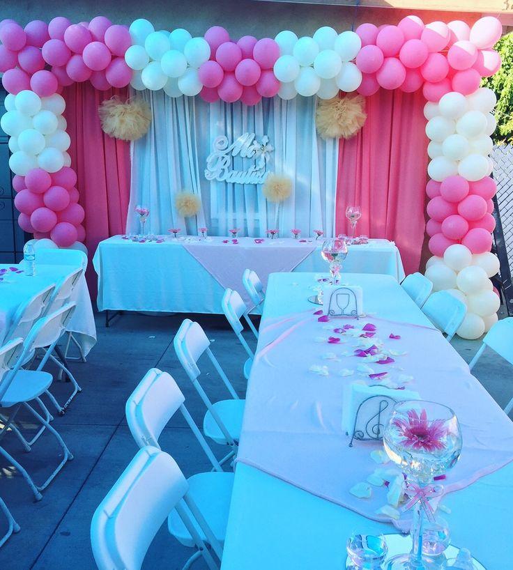 Mi bautizo mesa principal centros de mesa arco de globos for Decoracion de mesa para bautizo