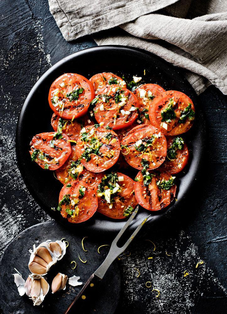 Grillattu tomaattisalaatti | K-Ruoka