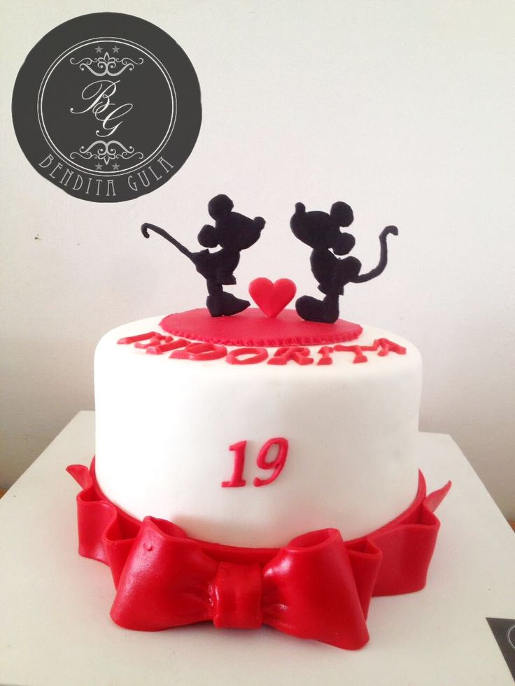 Mickey Minnie cake - love cake