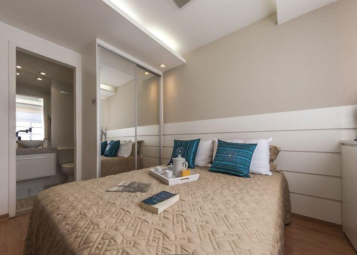 Confira nossa seleção com 50 fotos de quartos de casal pequenos e simples inspiradores para sua decoração. Quarto visita