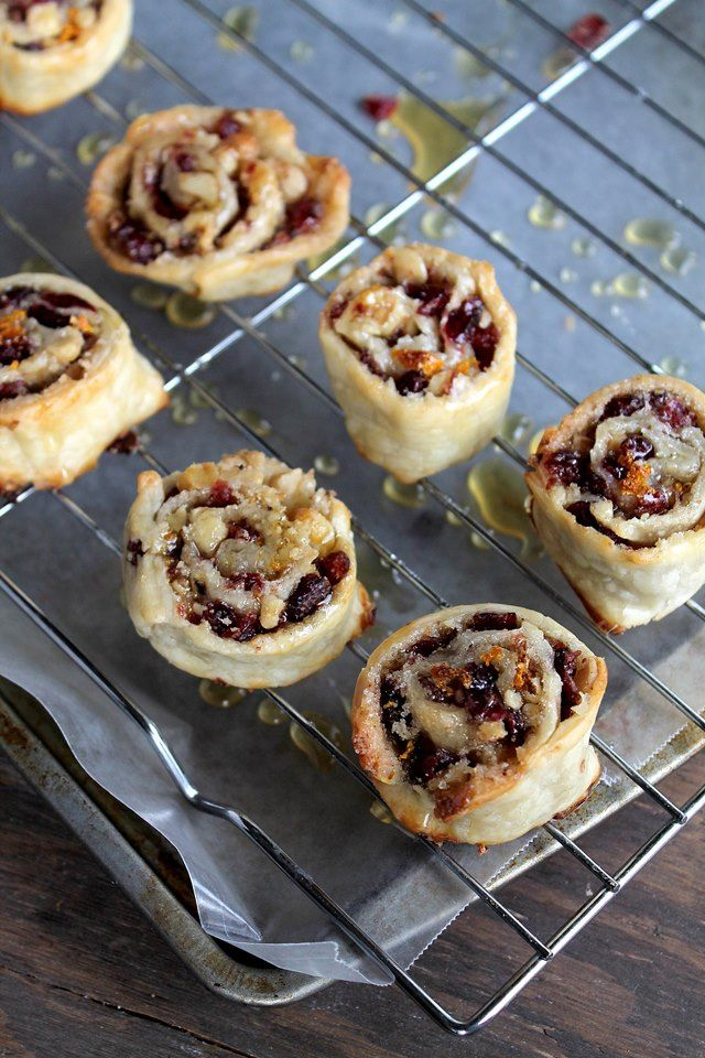 Cranberry and Walnut Pinwheels | www.diethood.com | #cranberries #dessert #nuts…