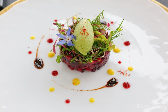 La betterave Duo of beetroot, apple and avocado, young herbs and green mustard sorbet - Darin