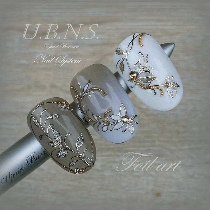 Fast decorations with foil #ujvaribarbara #handmade #elegancia #salonnail #nails #nailinstagram #flower #shortnails #green #pastell #unique #luxury
