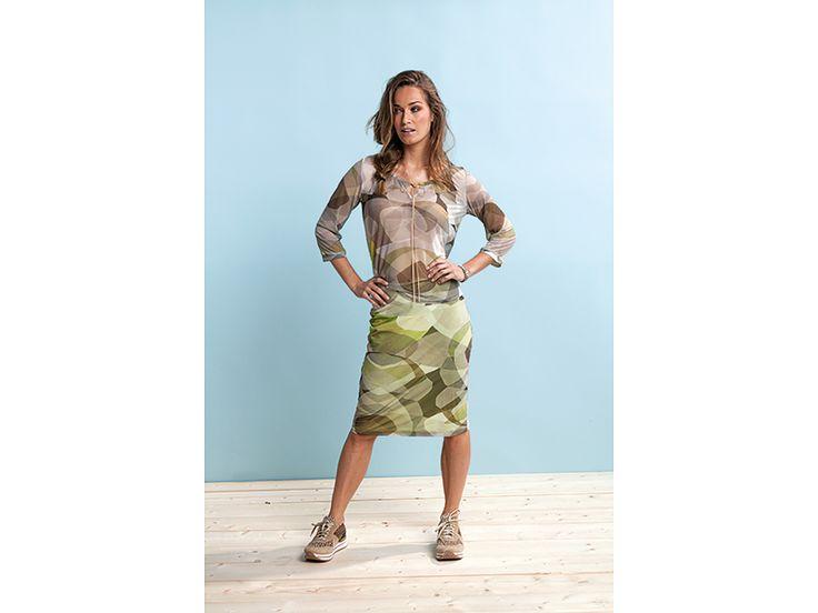 De nieuwe rokjes van WAX kunnen ook sportief gedragen worden met sneakers! Wij verkopen nu ook de sneaker-collectie van Asfvlt die er heel goed bij past! #waxcollection #belgiumdesign #fashion #trendy #spring16 #newcollection #design #styling #conceptstore #weidesign #weidesignandmore #hipshops #haarlem #hipshopshaarlem