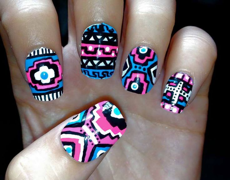 Blue and Pink Neon Aztec/Tribal Fake Nails.they look photo shopped on - 37 Best Cool Nail Designs Images On Pinterest Make Up, Pretty