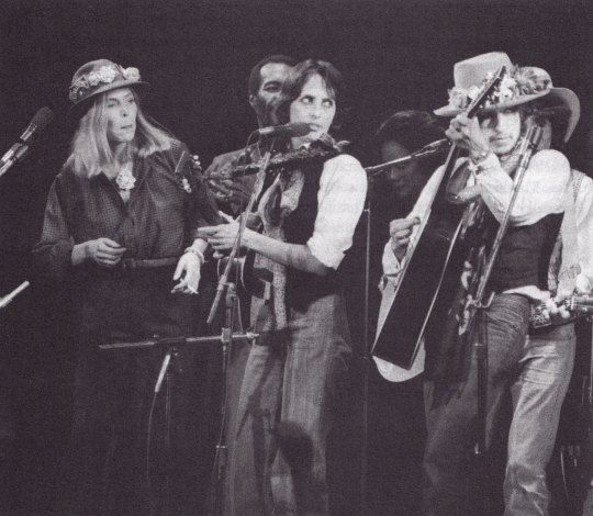 Joni Mitchell, Richie Havens, Coretta Scott King, Joan Baez, & Bob Dylan - The Night Of The Hurricane, The Rolling Thunder Revue.