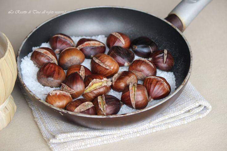 Castagne in padella cotte sul sale ricetta perfetta e semplicissima per preparare queste gustose castagne morbidissime e saporite