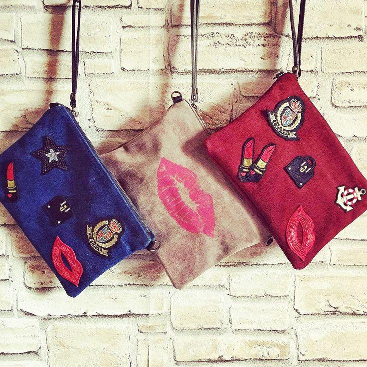 Labbra da portare: pochette glamour in tre versioni  #Rosavelvet #shoponline #madeinitaly #patch #applicazioni #borsa #bag #purse #pochette #glamour #pop #stylish #trendy #fashion #accessories #accessori