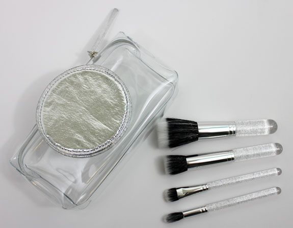 MAC-Ice-Parade-Make-It-Perfect-Brush-Kit-Mineralize.jpg (575×447)