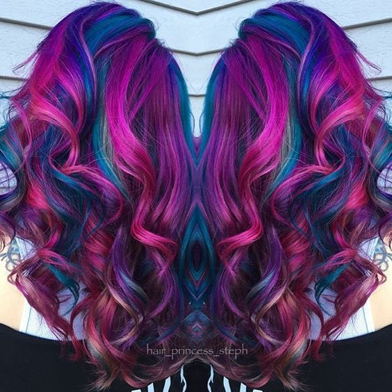 Astonishing Hair Colors for Wavy Hair!