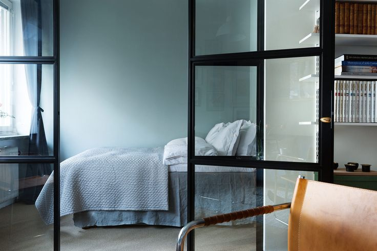 Glass divider bedroom stockholm interior Hedinsgatan 13, 1 tr | Fantastic Frank