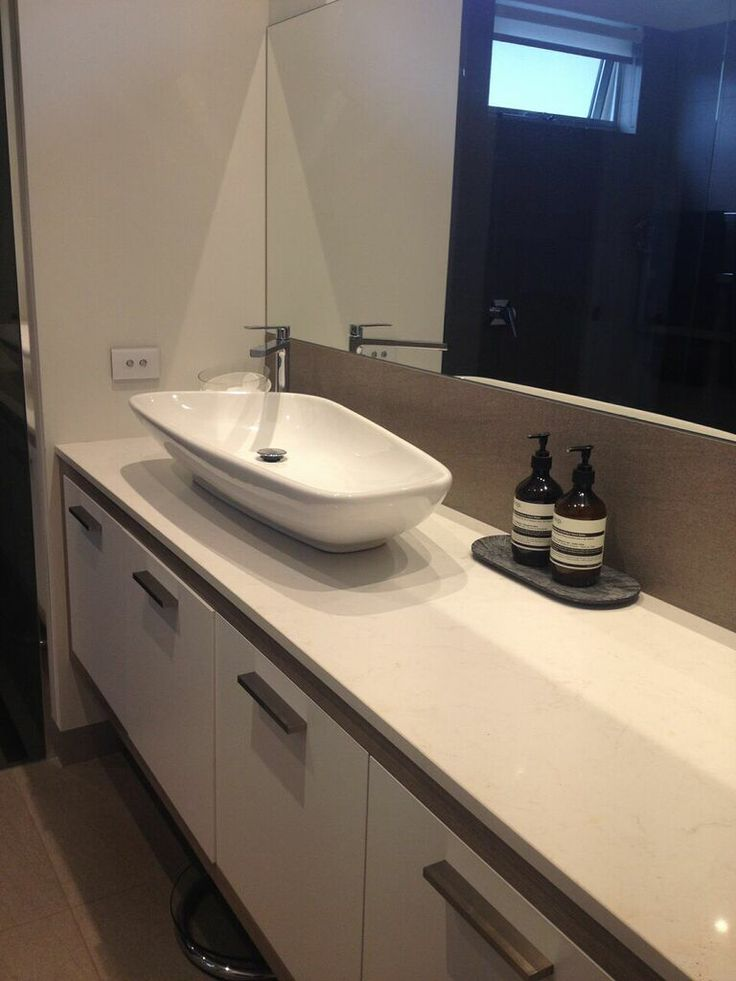ensuite - Using a large basin as the centrepiece to utilise precious bench space.