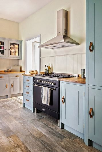 Are you a British Bake Off fan? Then you'll love the look of these #countrykitchens via Houzz UK #GreatBritishBakeOff #GBBO
