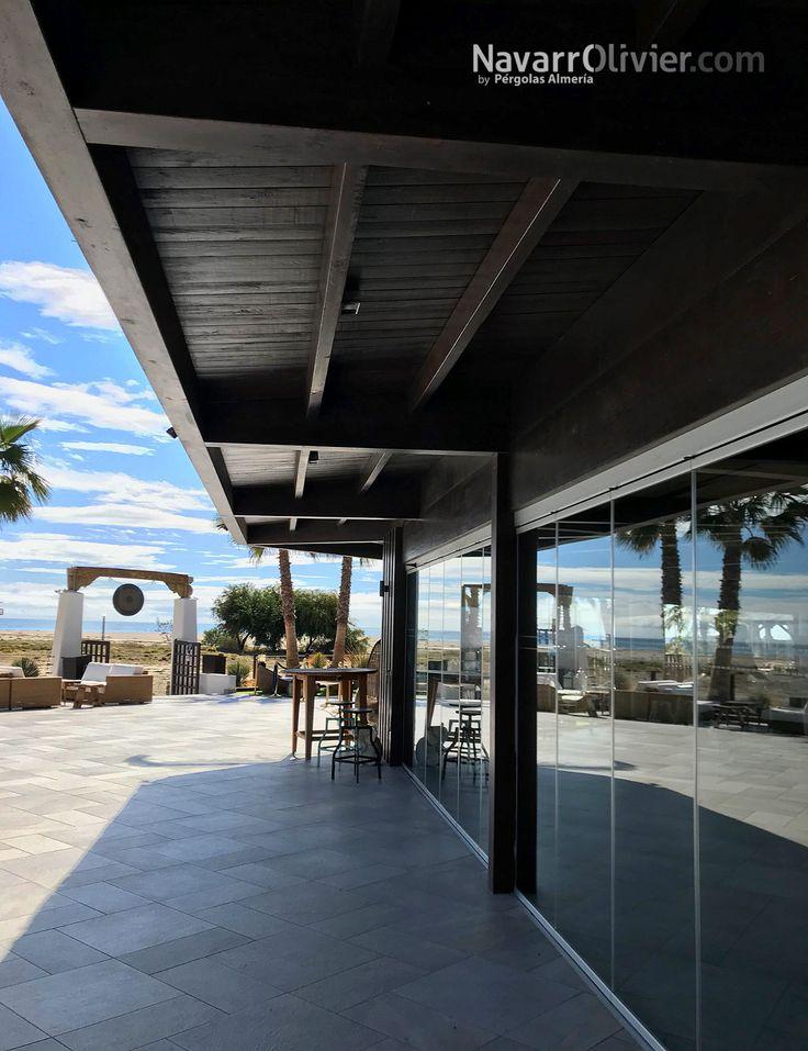 Detalle de construcción en madera. Cubierta de la zona de restaurante del complejo Maraú Beach Club, Puerto Rey, Vera - Playa, Almería.  #Marau #BeachClub #Restaurant #construccion #chiringuito #mediterraneo #beachlife #carpinteria #navarrolivier #Almeria