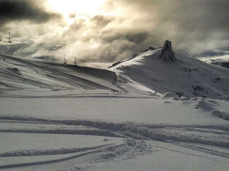 Miércoles nublado en Bariloche, la temperatura actual: -1°.  ¿Queres estar acá?  Ingresa a la pagina de Bariloche y empezá a viajar! www.bariloche.org