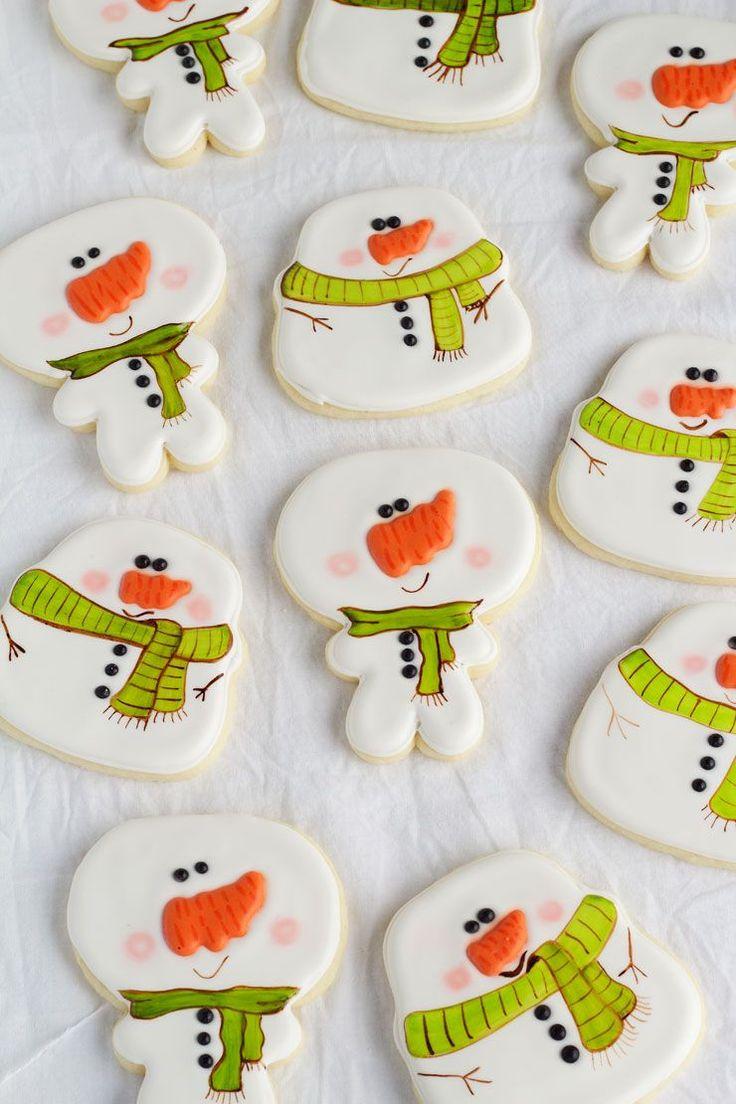 Simple Snowman Cookies - Decorated Sugar Cookies via www.thebearfootbaker.com