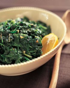 Barefoot Contessa - Garlic Sauteed Spinach. (Watch video and read reviews). http://barefootcontessa.com/recipes.aspx?RecipeID=149&S=0: