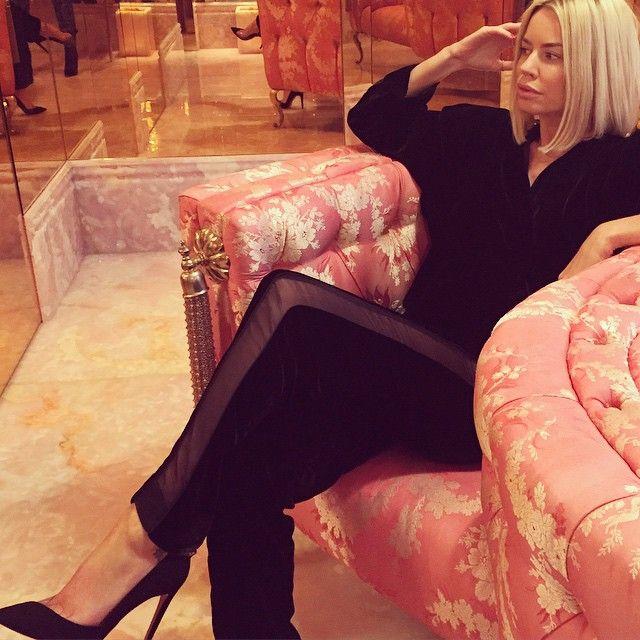 Caroline Stanbury.. wearing #emiliopucci and #aquazzura