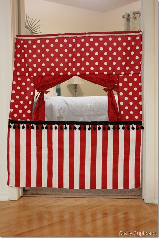 Doorway Puppet Theatre - Hang it from a tension rod...if you can't sew, just use two sets of kitchen curtains.