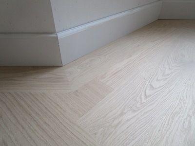 1000 images about parketvloer visgraat on pinterest floors doors and inspiration - Betegeld wit parket effect ...