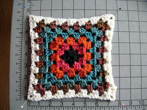 115 best Knitted squares blanket images on Pinterest Knitting, Knitting pat...