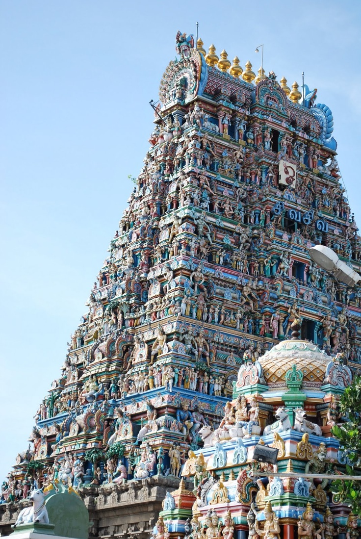 The Kapaleeswarar temple is a Hindu shrine, dedicated to the God Shiva, keeps a watchful eye over the city of Chennai