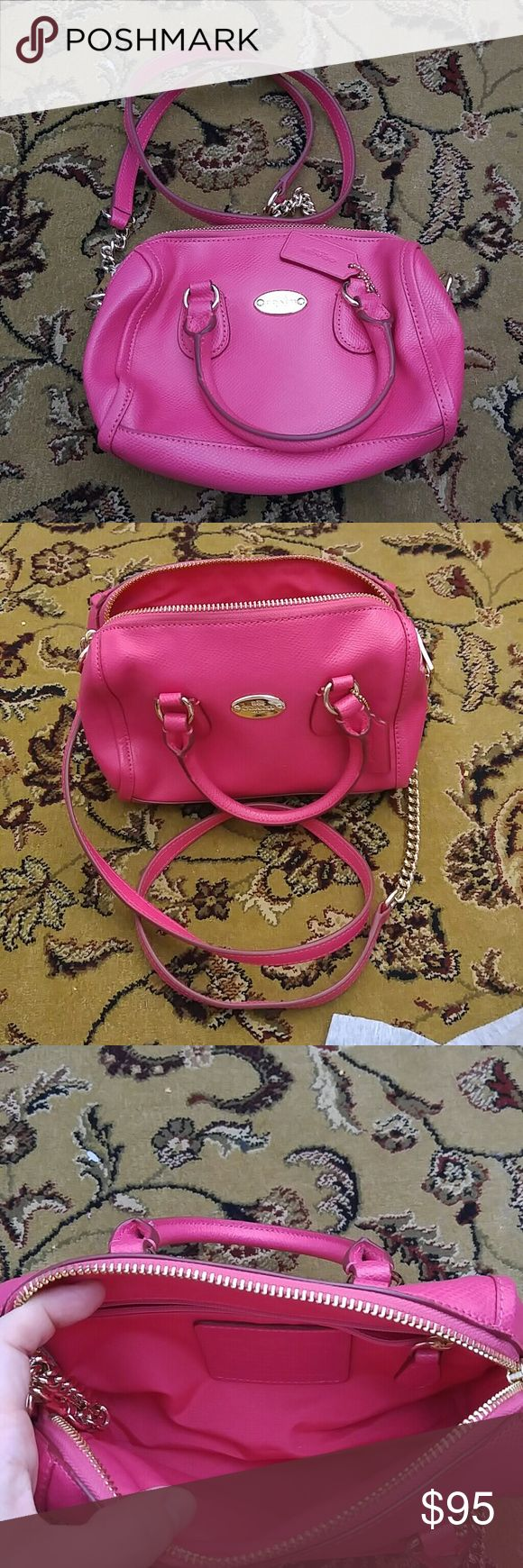 Coach purse Pink coach purse. Only worn once. Perfect condition. Coach Bags Shoulder Bags