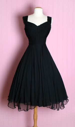 Love the hem on the over skirt (and the whole rest of the dress!) - DLGH