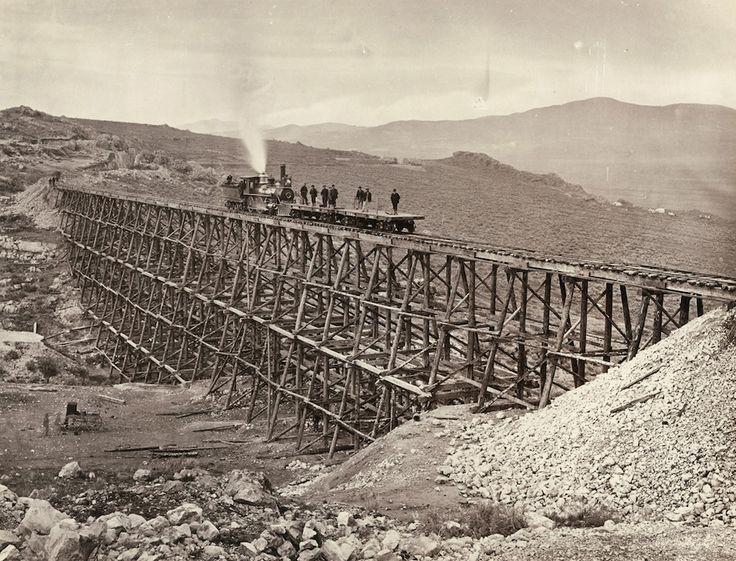 La costruzione di una grande ferrovia americana nel 1800.Le fotografie di Andrew J. Russell