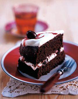 Schokoladenkuchen mit Amarenakirschen  aus Living at Home Ausgabe 2/2006