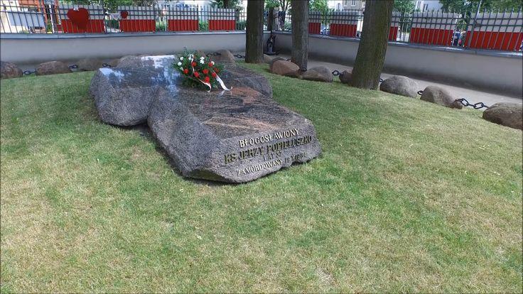 <p>Grób Bł. Ks. Jerzego 3 listopada 1984 odbył się pogrzeb księdza Jerzego. Pomnik-grób zaprojektowano w 1986 r. w miejscu, gdzie wcześniej znajdował się drewniany krzyż. Krzyż ten już wtedy był […]</p>