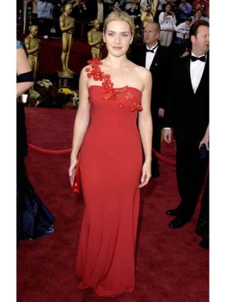 Designer Ben de Lisi put himself on the fashion map when he created a scarlet masterpiece for Kate, which she donned at the 2002 Oscars. We love that she let her bold red gown steal the show, pairing it with minimal makeup and an updo.