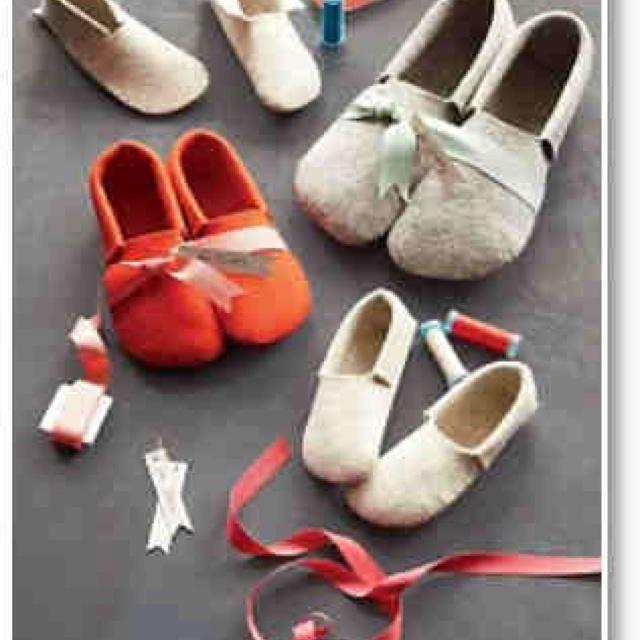 Martha Stewart slipper patterns: Shoes, Sewn Felt, Felt Slippers, Sewing Projects, Christmas Gifts Ideas, Diy Gifts, Martha Stewart, Handmade Gifts, Crafts