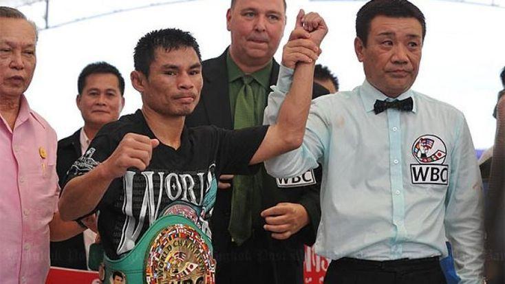 """Wanheng Menayothin, AKA: """"The Dwarf Giant"""" quietly closing in on Floyd Mayweather's… #BoxingNews #WanhengMenayothin #allthebelts #boxing"""