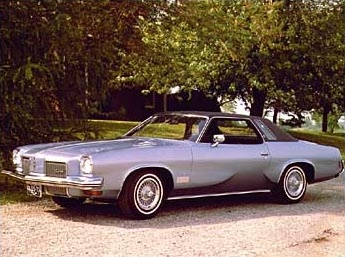 The first car I ever fell in love with. 1973 Cutlass Supreme!!
