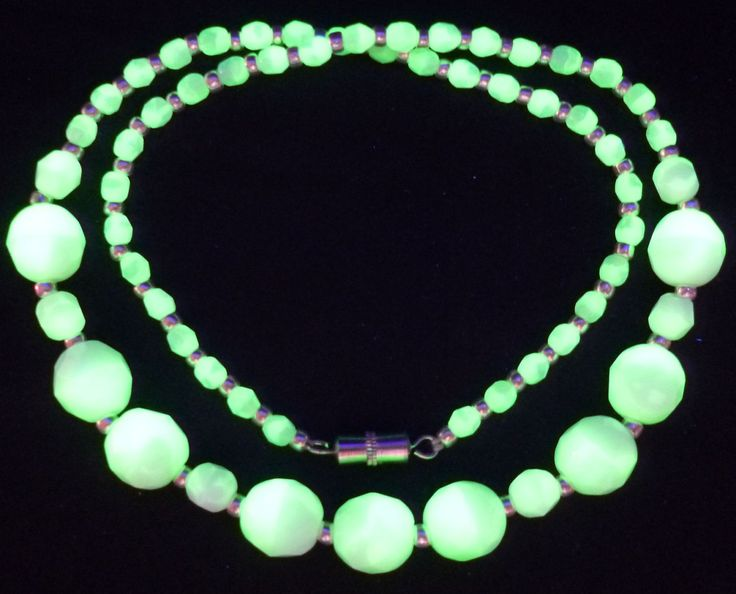 """17"""" 430mm Czech Glass Beads Beaded Necklace Uranium Green White Vtg UV Glowing by MuchMoreThanButtons on Etsy"""