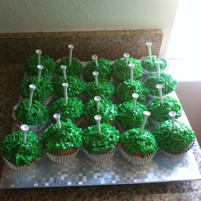 Birthday Table Mountain: 1000+ Ideas About Men Birthday Cakes On Pinterest