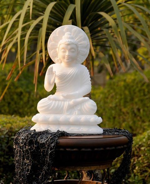 We are presenting an exclusive assortment of Marble Lord Buddha Statue.   Visit our official website www.akbarinternational.com to know more about Parchinkari or call us to book this one for you +91-7500-657-786 | +91-9219-796-701  #marblebuddha #marbledecorative #buddhastatue #marbleinlay #marbleart #marblecrafts #marblehandicrafts #inlaywork #mughalarts #akbarinternational