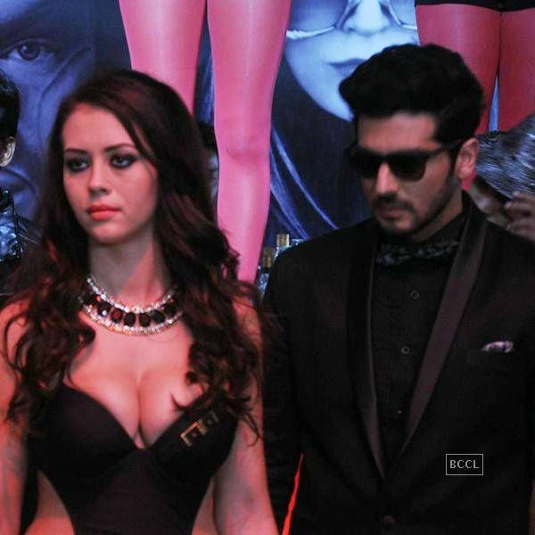 View Finding Fanny Pics on TOI Photogallery