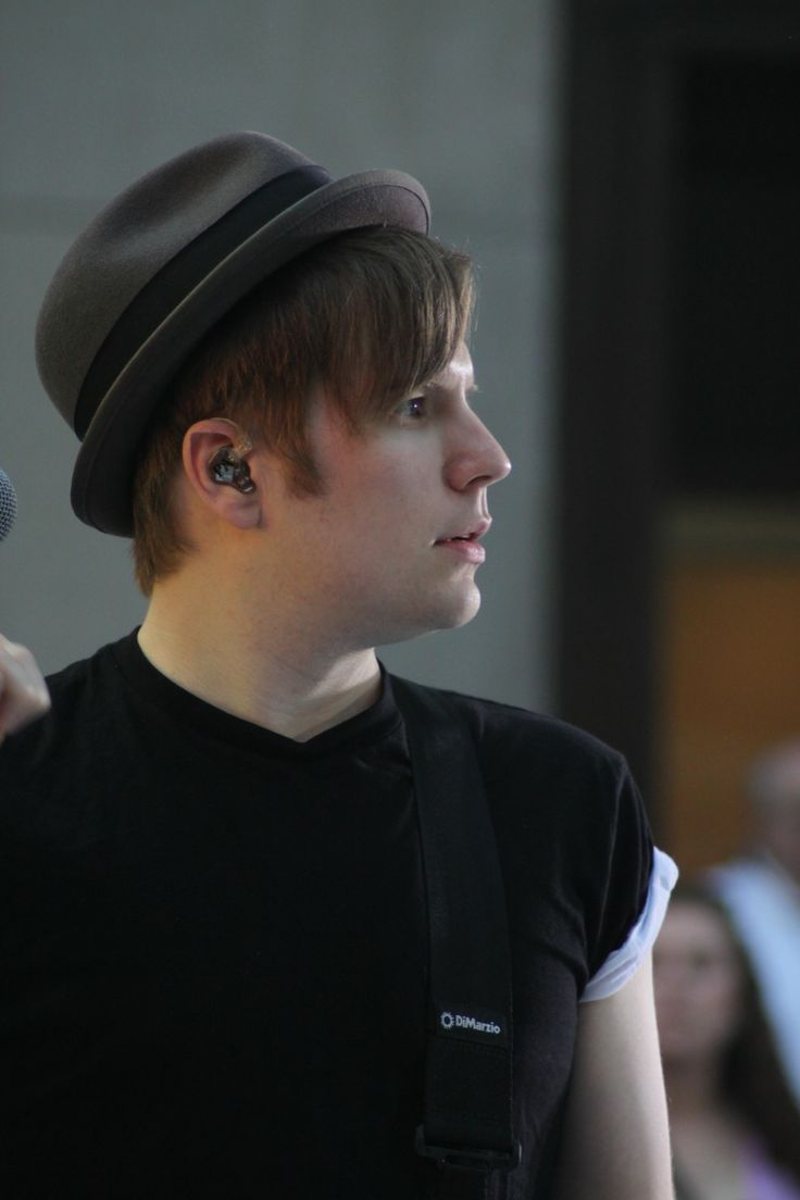Patrick Stump!I love him from the side.I love lots of people from the side.